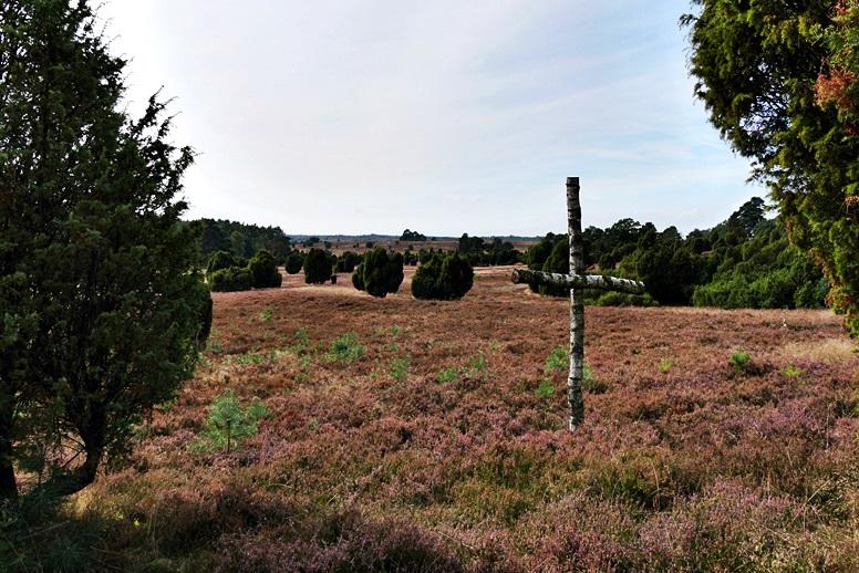 Kreuz in der Lüneburger Heide in der Nähe von Niederhaverbeck