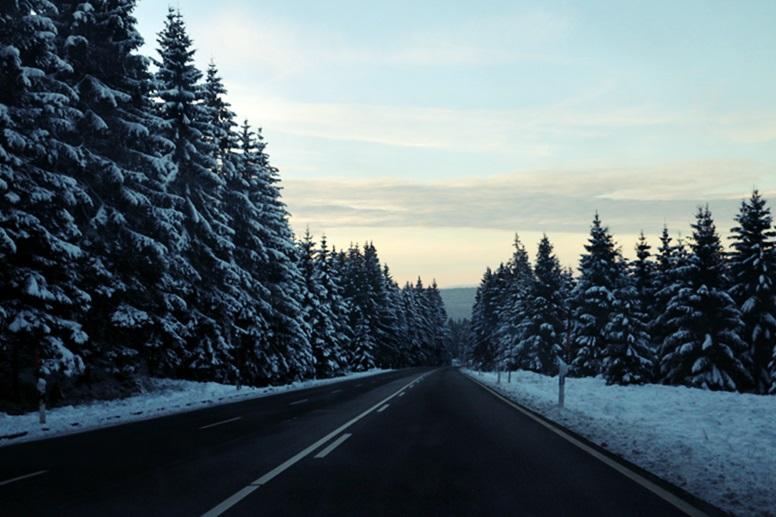 Heimfahrt vom Wurmberg durch den verschneiten Harz