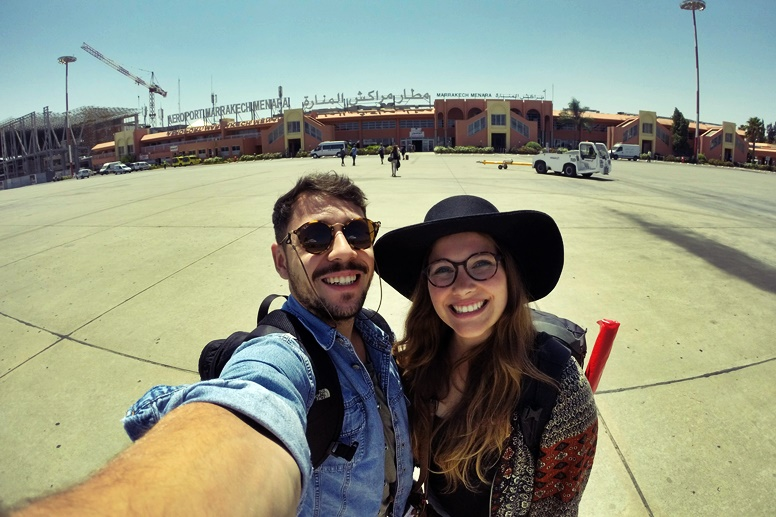 Lynn und Miguel bei ihrer Ankunft am Flughafen in Marrakesch