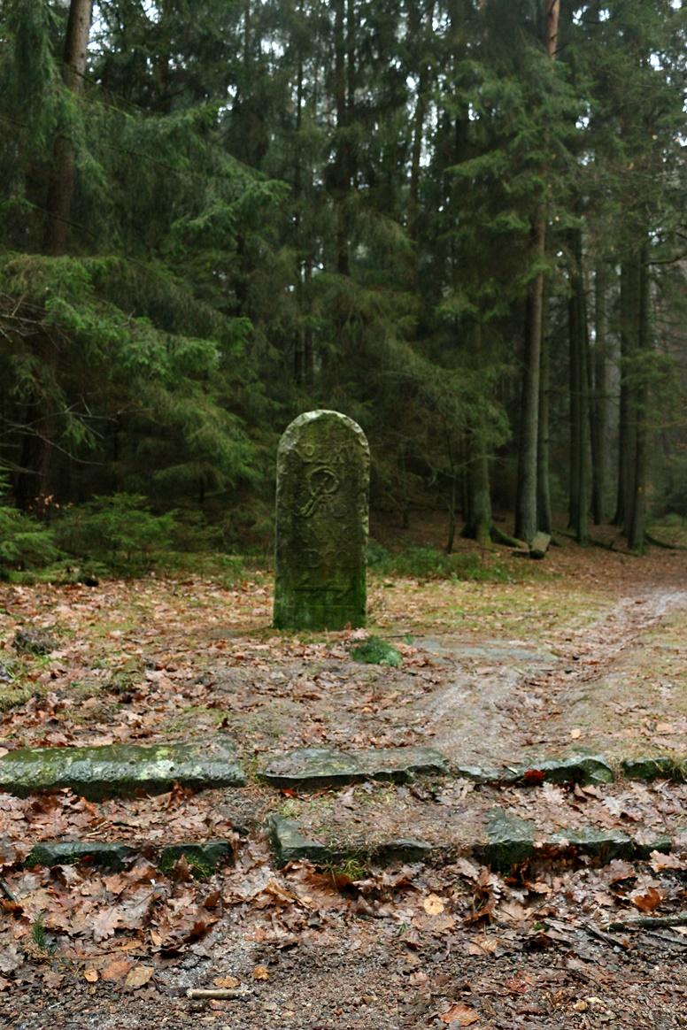 Grenzstein zwischen Hamburg und Niedersachsen