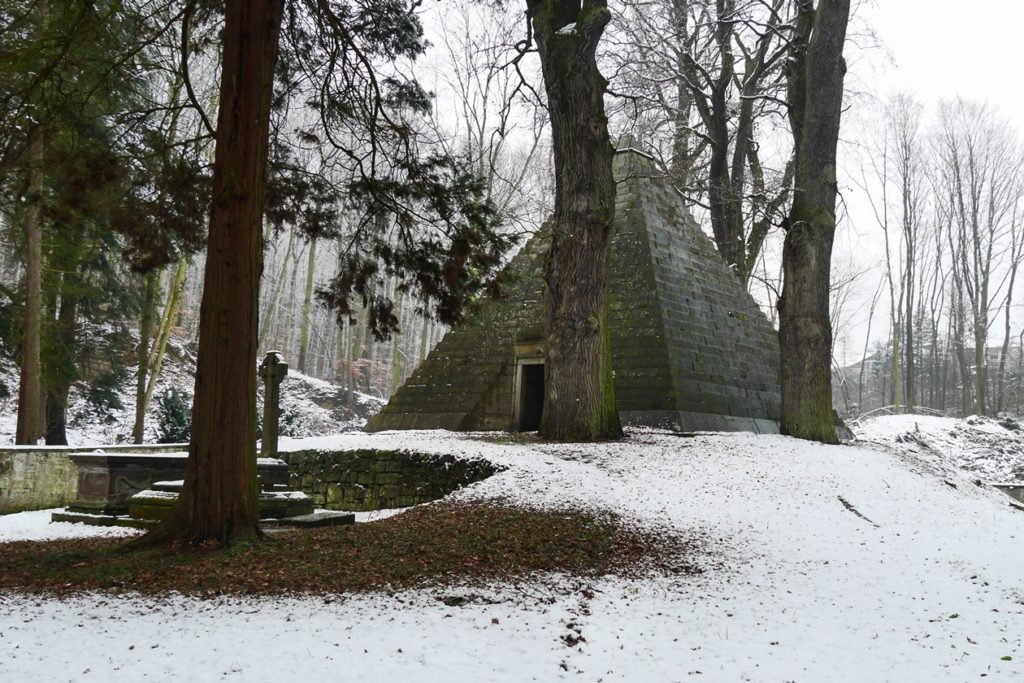 Pyramide auf dem Laves Kulturpfad